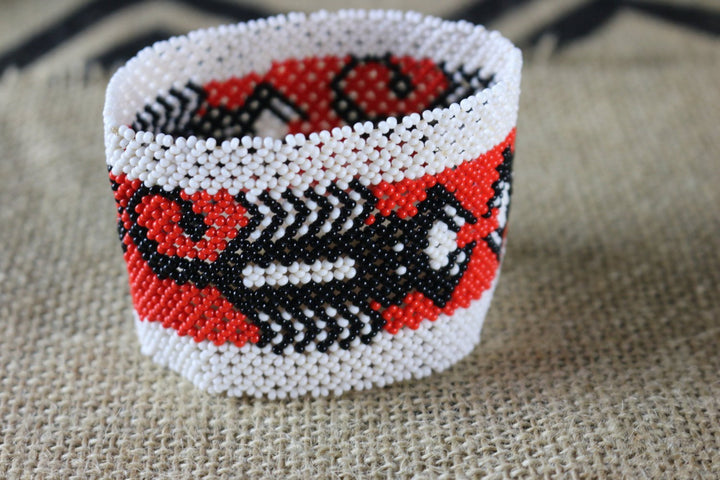 Art#  K389 3.5+ inch. Original Kayapo Traditional Peyote stitch Beaded Bracelet from Brazil