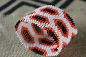 Art# K391- 3.5+ inch. Original Kayapo Traditional Peyote stitch Beaded Bracelet from Brazil