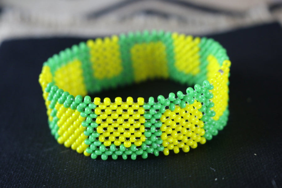 Art# K424  3.5 inch. Original Kayapo Traditional Peyote stitch Beaded Bracelet from Brazil