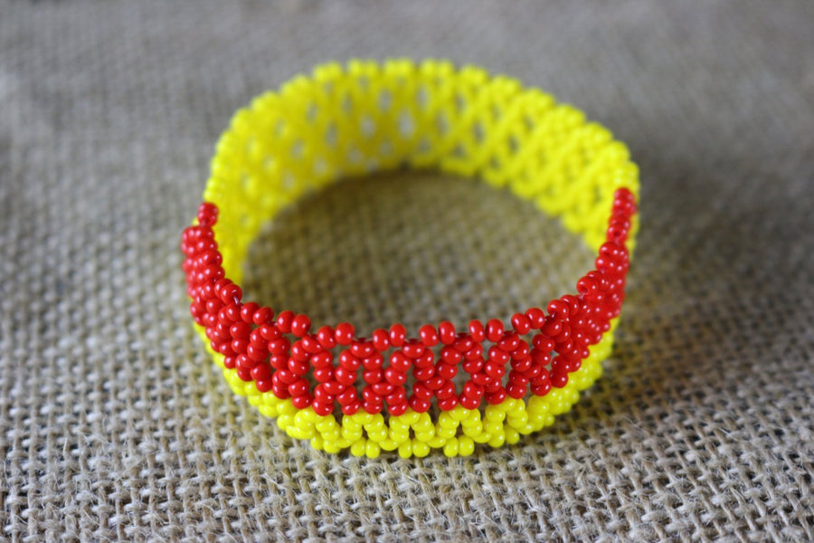 Art# K426 3.5+ inch. Original Kayapo Traditional Peyote stitch Beaded Bracelet from Brazil
