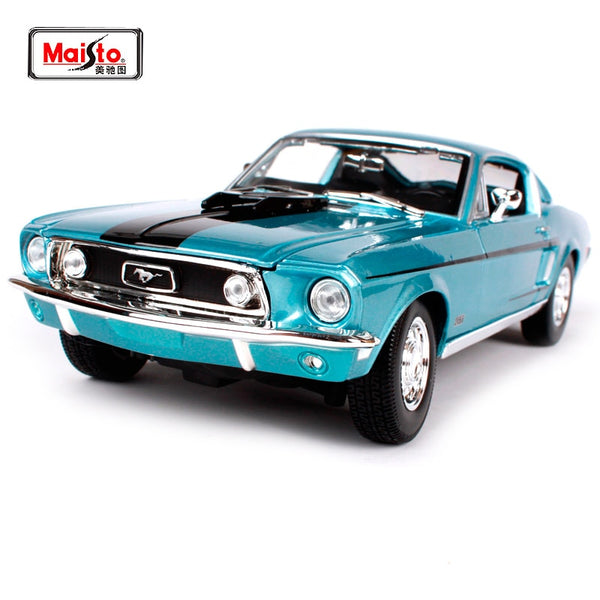 Maisto 1:18 White Blue1968 Ford Mustang GT Cobra Jet Muscle Car model Diecast Model Car Toy New In Box Free Shipping 31167