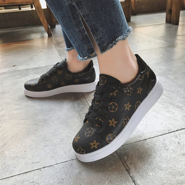 716a3fd6c 2018 New Luxury brand Spring Autumn Designer leather Star shoes women  sneakers fashion Classic Lace-