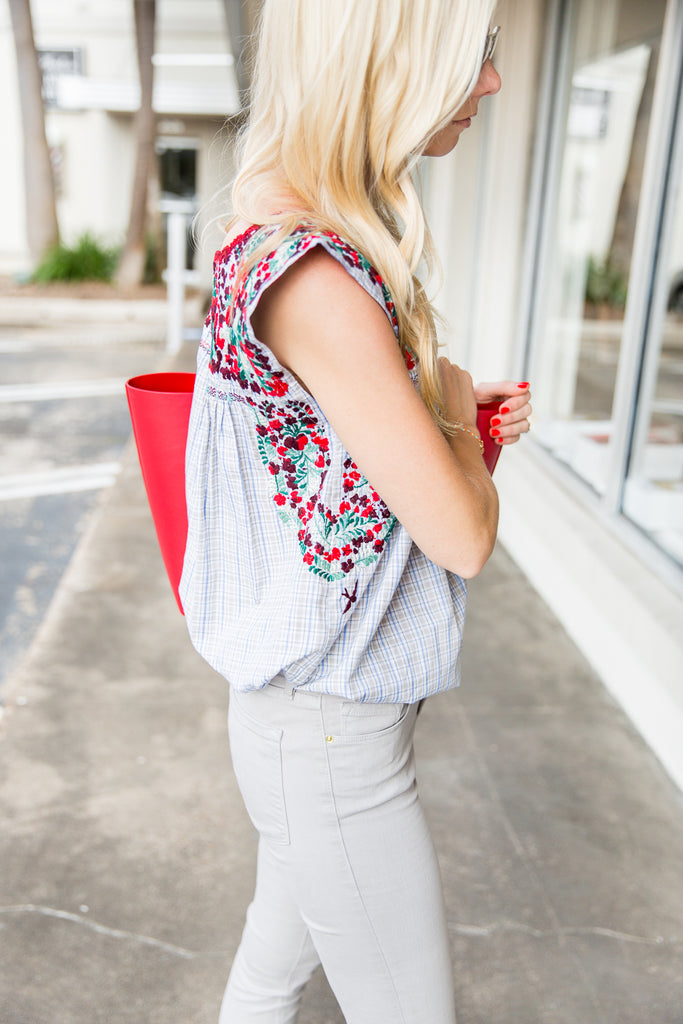 Sally From A Piece Of Toast Blog With Her Perfect Red Tote | Mel Boteri Vacation Essentials