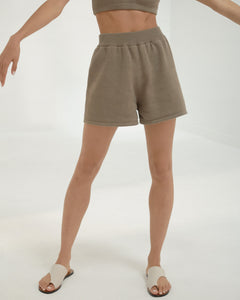 cotton short in taupe