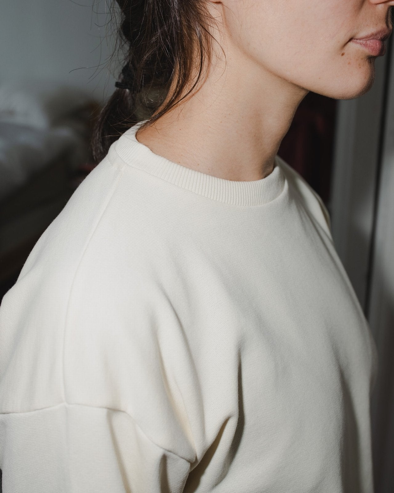 loose sweat shirt in off white