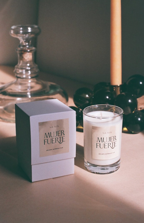 mujer fuerte candle