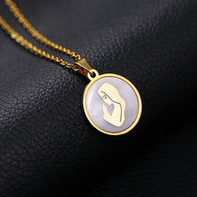 Load image into Gallery viewer, Women Design Pendant Necklace