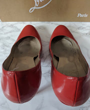 Load image into Gallery viewer, $695 Christian Louboutin Simple Pump 100 Patent Calf Red sz 39.5