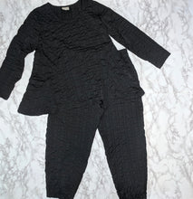 Load image into Gallery viewer, Niche Nilgun Derman Black Pant and Shirt Set sz XS-S