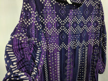 Load image into Gallery viewer, Chicos Blouse sz 3