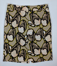 Load image into Gallery viewer, Ann Taylor Pencil Skirt Floral sz 8