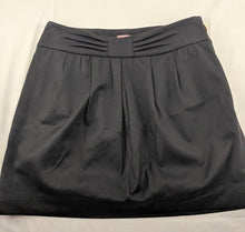 Load image into Gallery viewer, Juicy Couture Black Skirt sz 0
