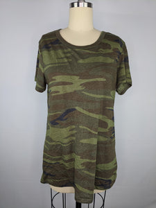 Alternative Apparel Tee sz L Ideal Short Sleeve Crew Neck Top Green Camo NWT $34