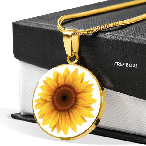 Daisy Flower Pendant Necklace Personalized in 18k Gold or Stainless Steel - Poppies And Thyme