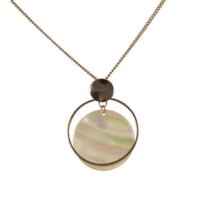 BIG METAL LONDON | Necklace 1856 | Claire Disc Shell Necklace | Gold - LONDØNWORKS