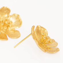 Load image into Gallery viewer, OTTOMAN HANDS | Buttercup Flower Stud Earrings Gold - LONDØNWORKS