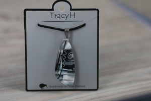 TracyH Pendant Tua Tua Abstract  Black White