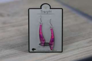 TracyH Earring Long Curve Stripes Purple