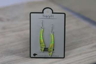 TracyH Earring Long Curve Stripes Green
