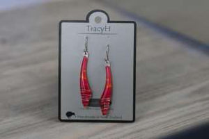 TracyH Earring Long Curve Stripes Pink