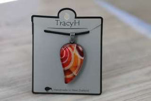 TracyH Pendant Large Leaf Loops Red