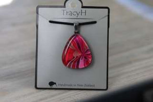 TracyH Pendant Triangle Bow Pink