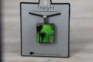 TracyH  Pendant Square-Kiwi Cabbage Green