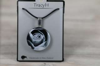 TracyH Pendant Round Rose Black White