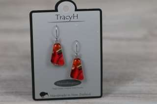 TracyH Earring Clear Triangle Tulip Red