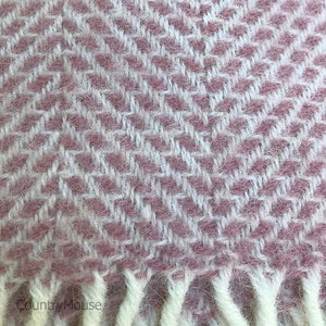 Dusty Pink Beehive Pure New Wool Throw detail