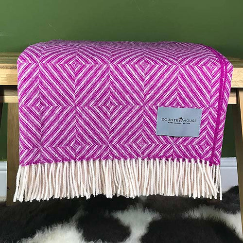 Fuchsia diamond merino wool throw