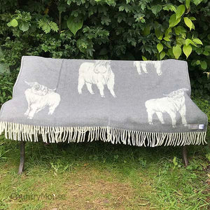 J.J. Textiles Highland Cow Grey open