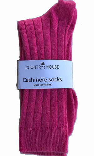 Hot pink recycled cashmere gloves