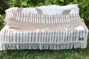 Meow wool blanket bench