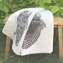 Load image into Gallery viewer, J.J. Textiles owl blanket.