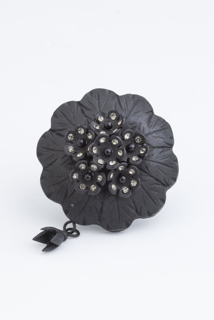 Dante Ring a beautiful look at the Victorian mourning jewellery.