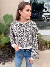 Load image into Gallery viewer, The Multi Leopard Pullover