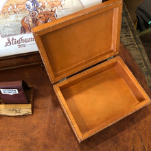 Load image into Gallery viewer, Natural Leather Box
