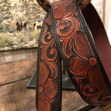 "Load image into Gallery viewer, 34"" Floral Tooled Belt"