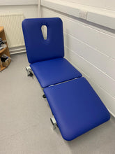 Load image into Gallery viewer, Reconditioned Three Section Hydraulic Medical / Physio / Treatment Couch with facehole
