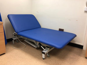 Reconditioned Bariatric Medical / Physio / Treatment extra wide Electric Couch