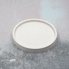 Load image into Gallery viewer, Round Concrete Jewellery/Planter Tray