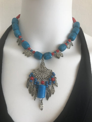 WOMEN BLUE BIB NECKLACES, BOHO STYLE, METAL AND BEADS USED.