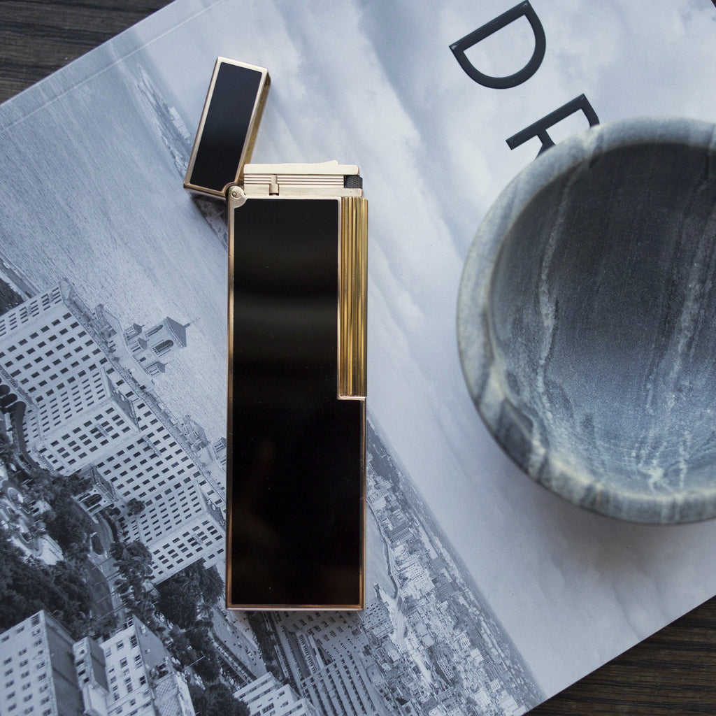 1970s Dupont Table Lighter In Black Lacquer and Yellow Gold