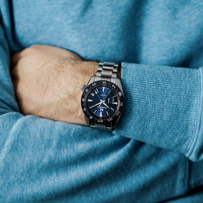 Grand Seiko Spring Drive GMT SBGE255 Ceramic Bezel In Blue alternate image.