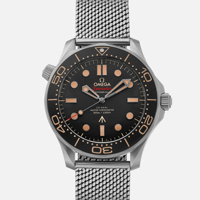 OMEGA Seamaster Diver 300M Co-Axial Master Chronometer 42mm Titanium 007 Edition On Bracelet
