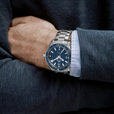 OMEGA Seamaster Planet Ocean 600M Co-Axial Master Chronometer 43.5mm Blue Dial On Bracelet alternate image.