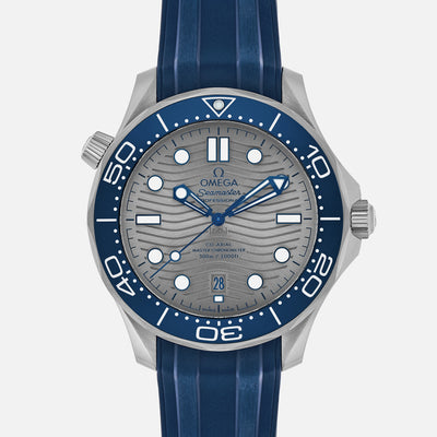 OMEGA Seamaster Diver 300M Co-Axial Master Chronometer 42mm Grey Dial On Rubber Strap