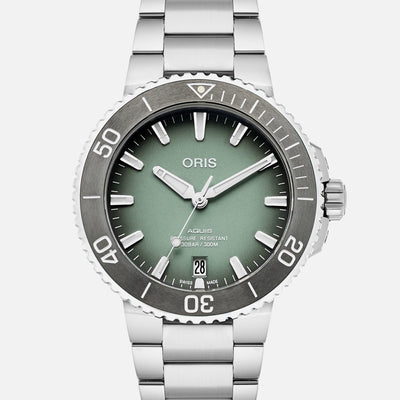 Oris Aquis Date 39.5mm Mint Green On Bracelet