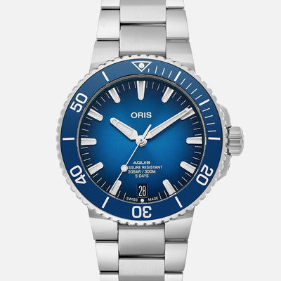 Oris Aquis Date Caliber 400 43.5mm On Bracelet